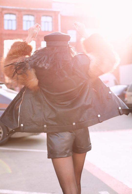 Кожаная куртка с мехом из финской лисы